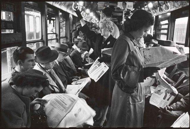 kubrick-subway-newspapers-min