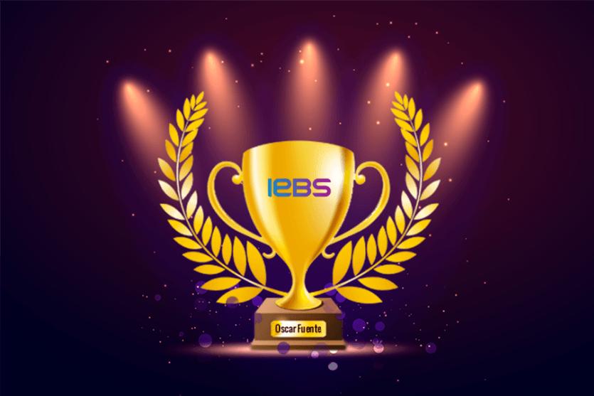 ¡En IEBS estamos de celebración! Nuestro Director ha obtenido el premio Mejor Talento Elearning - oscar fuente premio