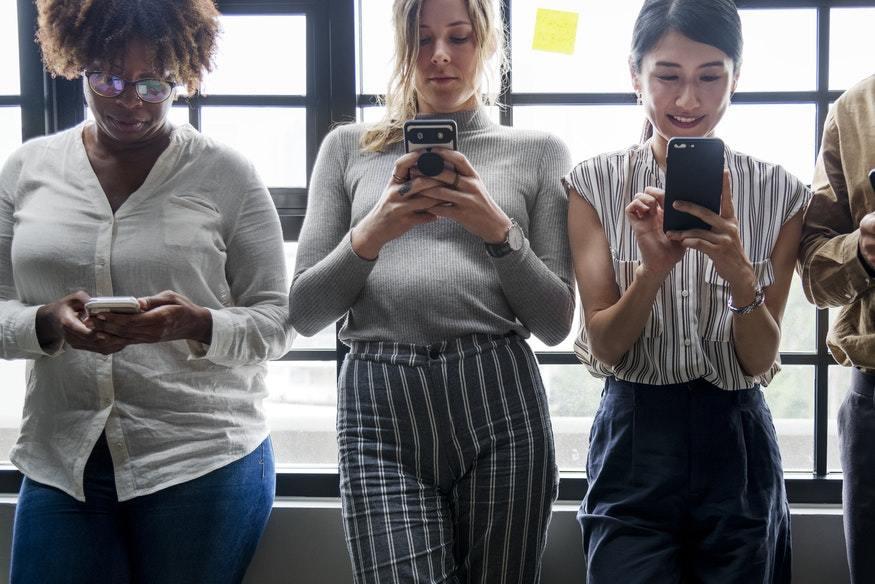 ¿Somos realmente libres en Internet? O solo creemos que lo somos