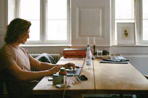 ¿Cómo ganar dinero desde casa? Todo lo que necesitas saber