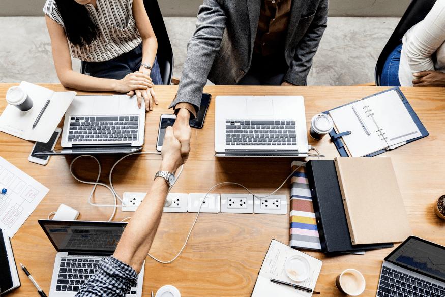 Cómo conseguir trabajo en la era digital, pasos para no quedarse obsoleto