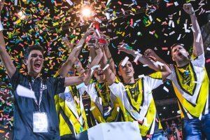 IEBS y eMonkeyz organizan la eSports eAcademy Gratuita #YoMeQuedoEnCasa