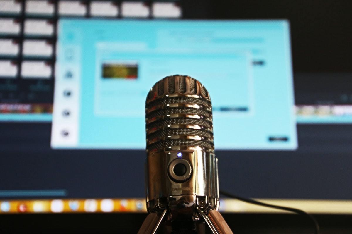 Descubre Hacking Education, un podcast para debatir sobre el sistema educativo