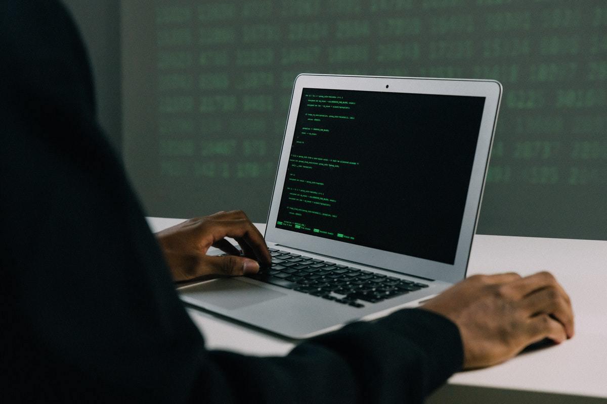 Día Internacional de Internet Segura: 10 buenas prácticas para navegar por la red
