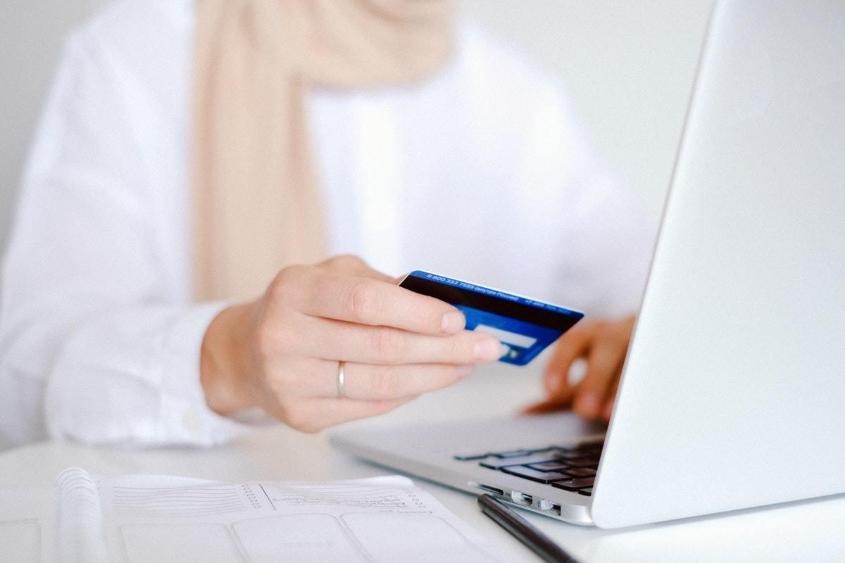 Shoppertainment: Qué es y cómo atraer compradores a tu tienda