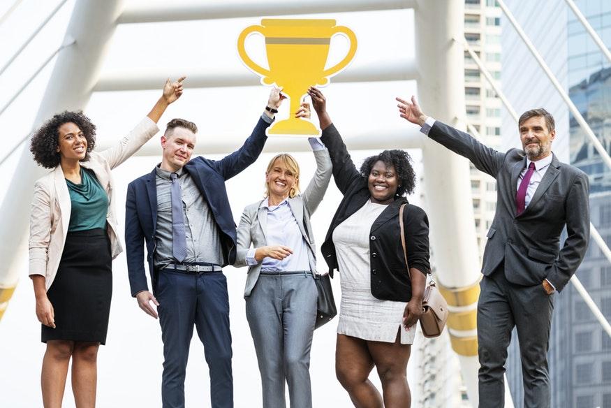 O que significa CEO, CFO, CIO e muitas outras siglas dos altos cargos?