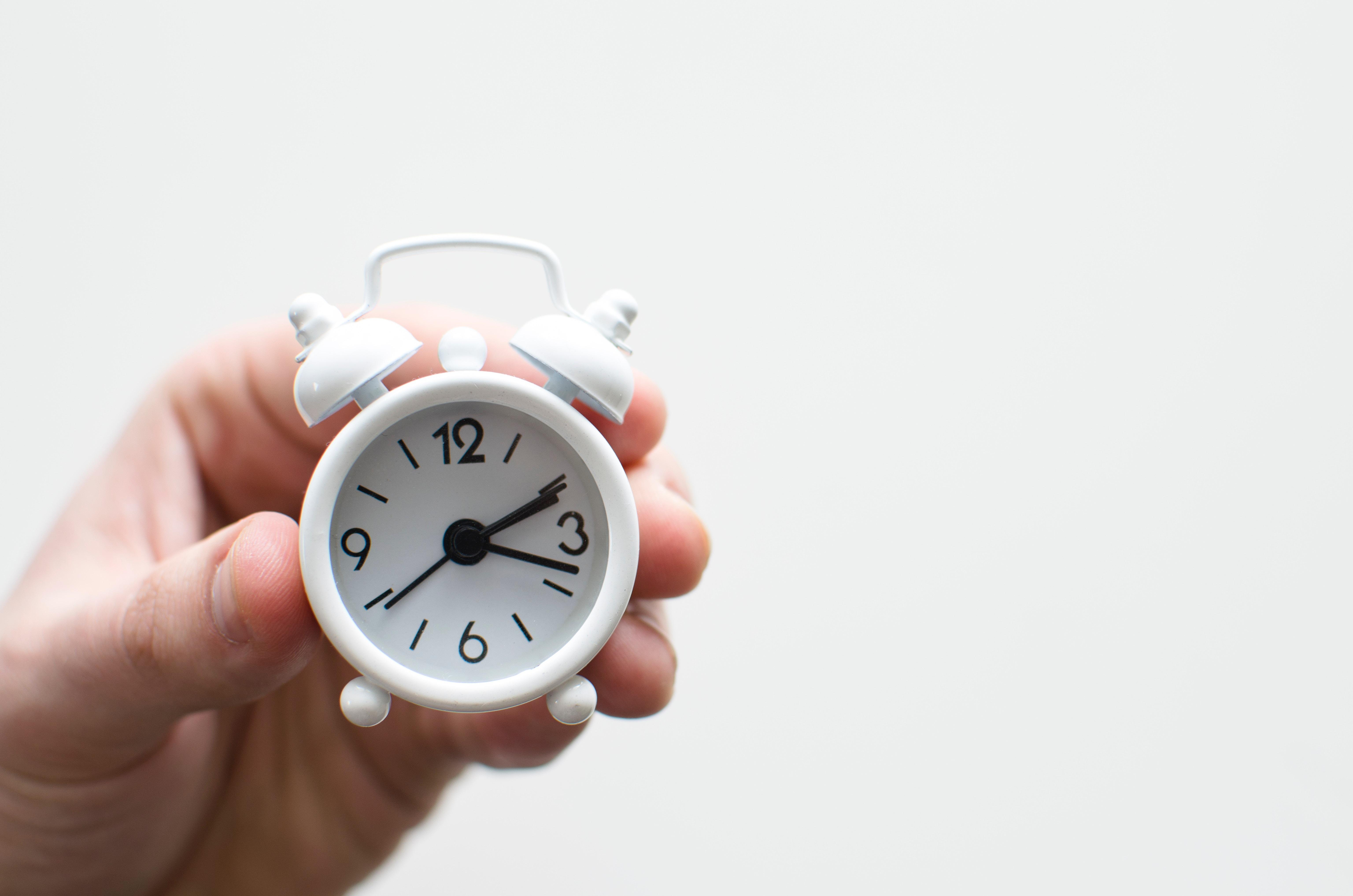 Como melhorar o gerenciamento de tempo no trabalho: dicas e truques para otimização de recursos