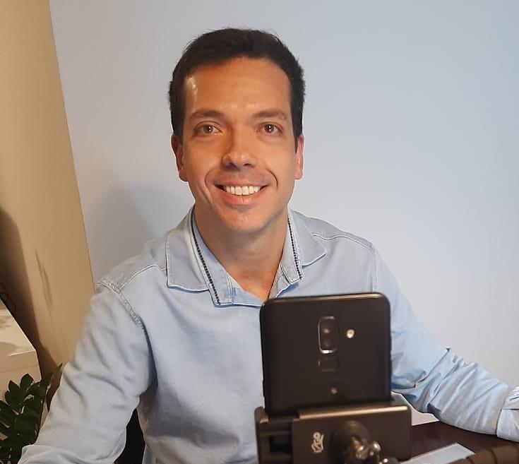 Entrevista: Celso Cestaro, professor da IEBS